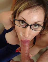 Welcome to the number one MILF porn collection with sexy older femmes